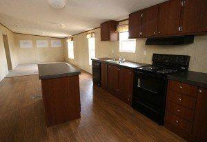 La Lone Star 3/2 casa móvil sala de estar cocina y cuarto familiar