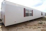 Fleetwood Berkshire 16723B casa móvil exterior