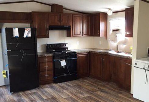 4/4 Fleetwood Weston Mobile Home Kitchen