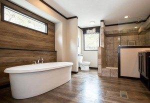CMH Patriot 3/2 de doble ancho por $74,838 casa móvil baño principal