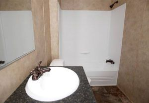CMH King SLT32685A Mobile Home Bathroom