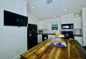 D40EP8-10-Kitchen