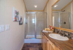 Meridian Robin D56EP8 - Bathroom 3