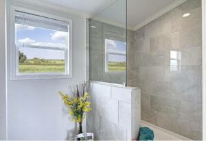Meridian Falcon L40EP8 - Smart Cottage - Master-Bathroom 4