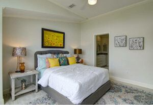 Meridian Falcon L40EP8 - Smart Cottage - Bedroom