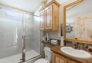 Meridian Mockingbird D50EP8 - Bathroom