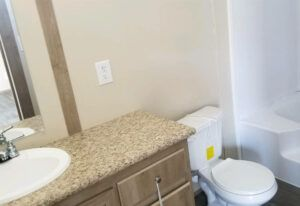 Meridian Carina - 9270 - Bathroom