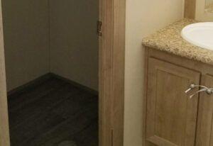 Meridian Carina - 9270 - Bathroom 2