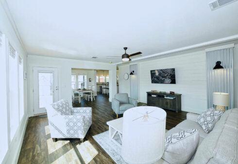 Meridian Pearl - 6370 - Living Room 5