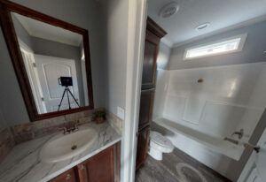 Meridian Vandaveer - W64E - Bathroom 2