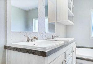 Clayton Resolution 2.0 - RSV16763J - Bathroom