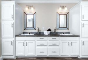 Clayton St. Augustine - SMH32663B - Bathroom