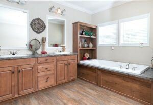 Clayton Tyler - SMH32703A - Bathroom 2