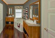 Fleetwood Weston 3252 - WE32524W - Bathroom