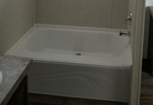 Fleetwood Americana 1676 - AE16765K - Master Bathroom
